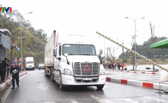 Ưu tiên thông quan 360 xe nông sản sang Trung Quốc
