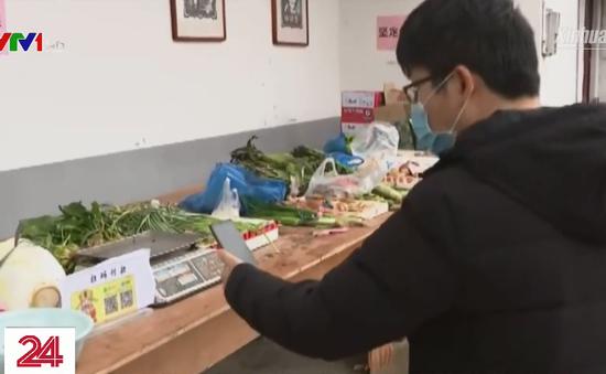 Quầy rau tự phục vụ tại Trung Quốc giữa dịch bệnh do virus Corona mới