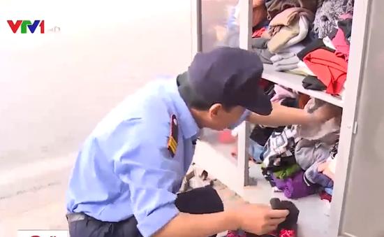 """Đừng vứt """"rác"""" vào tủ quần áo từ thiện"""