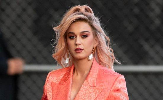 Katy Perry sẵn sàng ra nhạc mới dù mang bầu
