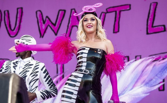 """Katy Perry: """"Giờ thì tôi không cần nhạc của mình phải nổi tiếng nữa"""""""