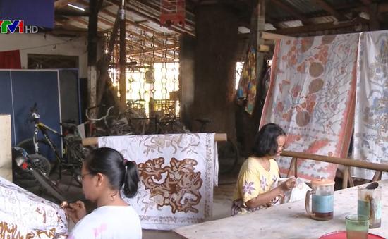 Nghệ nhân cuối cùng của dòng Batik Oey Soe Tjoen