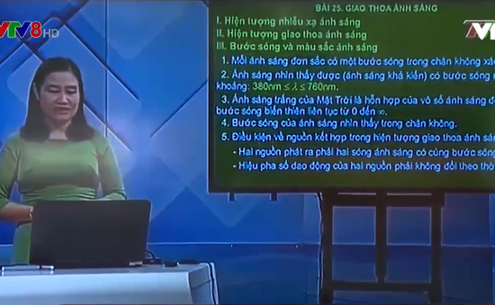 Thừa Thiên - Huế: Học sinh cuối cấp học trực tiếp qua truyền hình