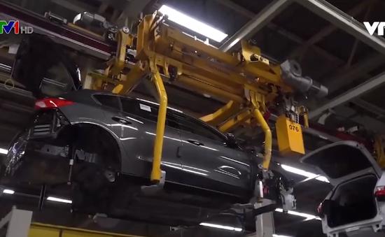 Nhiều hãng ô tô lớn đóng cửa nhà máy tại châu Âu