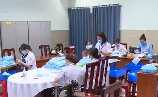 TP.HCM: Bệnh viện tự may khẩu trang phục vụ y - bác sỹ và bệnh nhân