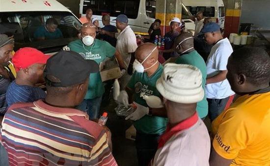 Nam Phi trở thành ổ dịch COVID-19 lớn nhất châu Phi