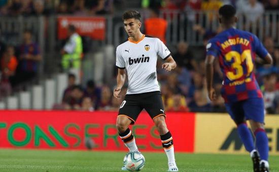 """Juventus lăm le """"nẫng tay trên"""" Liverpool trong thương vụ sao trẻ Valencia"""