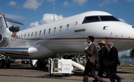 Nhà giàu Trung Quốc chi hơn 20.000 USD cho một vé máy bay rời Mỹ