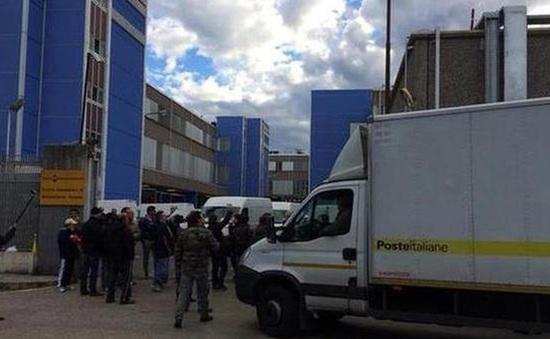 Italy: Bom thư phát nổ khiến 3 người bị thương