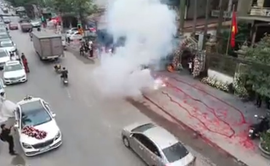 Khẩn trương điều tra, xử lý vụ việc đốt pháo tại xã Phù Lỗ, huyện Sóc Sơn