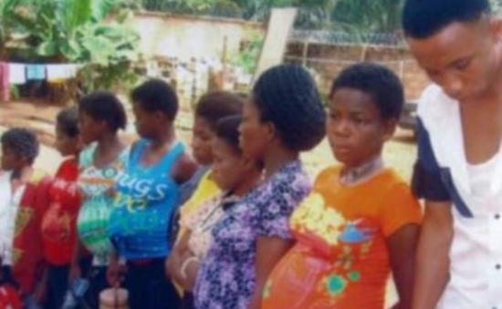 Nigeria triệt phá đường dây mang thai và bán trẻ sơ sinh