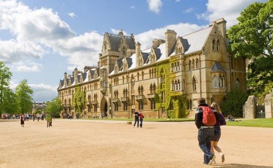 """Anh: Các trường đại học """"thất thu"""" học phí do dịch COVID-19"""