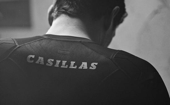 """""""Thánh"""" Iker Casillas - Ngôi sao trong những ngôi sao và đoạn kết buồn"""