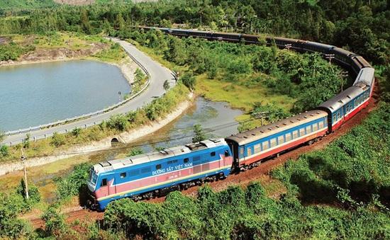 Đường sắt chạy thêm 1 đôi tàu thống nhất và 2 đôi tàu địa phương