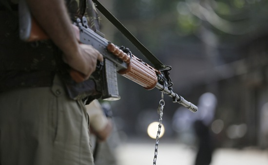 Đụng độ ác liệt giữa quân đội Ấn Độ và Pakistan ở Kashmir