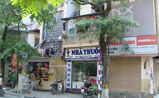Nhiều hiệu thuốc ở Hà Nội lơ là việc lấy thông tin người mua thuốc cảm