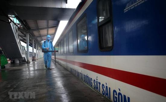 Đường sắt kiến nghị tăng tàu khách trên tuyến Hà Nội - TP.HCM