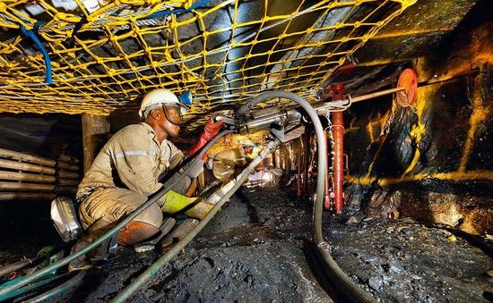 Nam Phi: Ngành khai khoáng có thể thiệt hại nặng nếu lệnh phong tỏa kéo dài