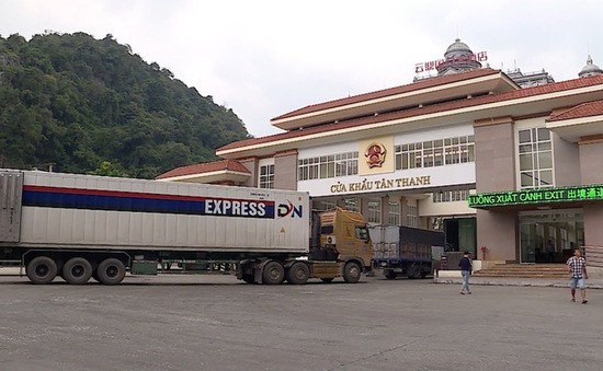 Khai thông hàng hóa tại cửa khẩu Lạng Sơn