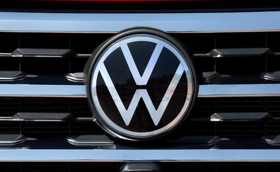 Doanh số bán ô tô toàn cầu của Volkswagen giảm gần 40% trong tháng 3
