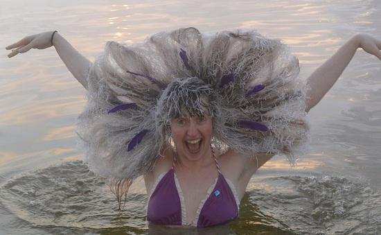 Những bức ảnh quái dị nhất từ cuộc thi đóng băng tóc ở Canada
