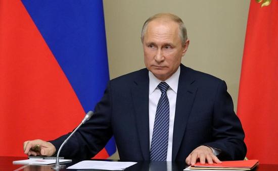 Người phát tán tin giả về COVID-19 tại Nga bị phạt tới 3 tỷ đồng