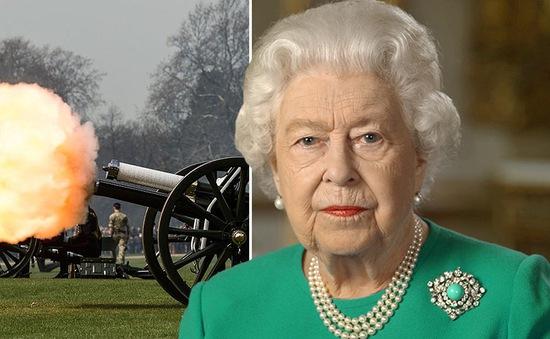 Nữ hoàng Anh hủy lễ kỷ niệm sinh nhật vì đại dịch COVID-19