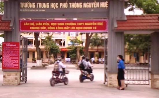 Học sinh Thái Bình phấn khởi trở lại trường sau đợt nghỉ dài
