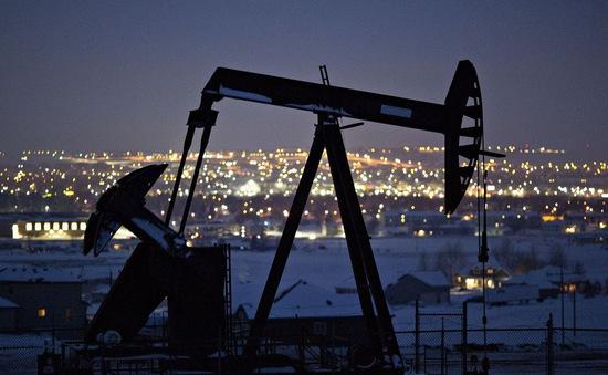 Giá dầu giảm xuống mức âm sẽ ảnh hưởng như thế nào tới nền kinh tế?