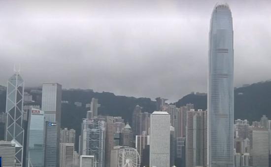 Giới đầu tư đại lục đua nhau bán tháo nhà tại Hong Kong (Trung Quốc)