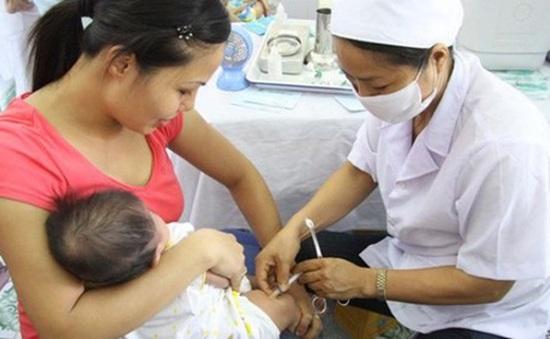 Khuyến cáo tiêm chủng cho trẻ đầy đủ để phòng, chống dịch bệnh mùa hè