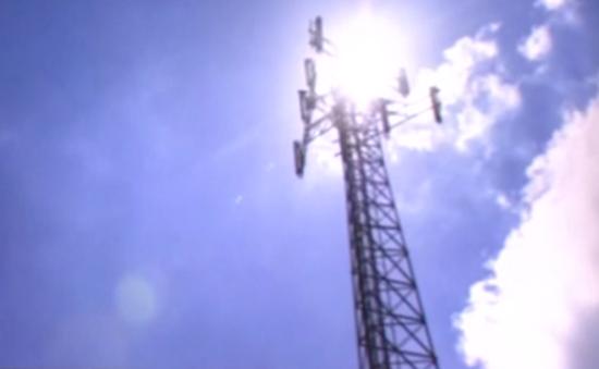 Tin giả khiến người Anh đốt cột phát sóng 5G