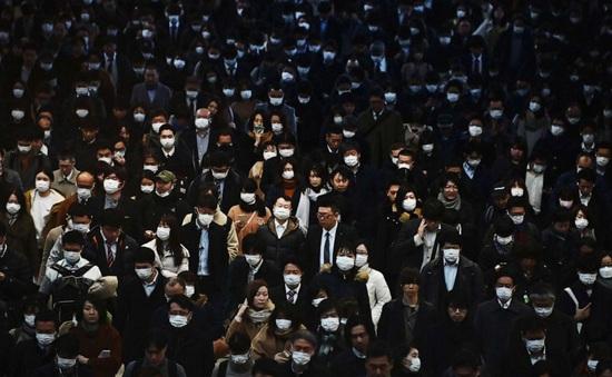 Dịch COVID-19 ngày 6/4: Gần 70.000 người chết, Thủ tướng Anh Boris Johnson nhập viện