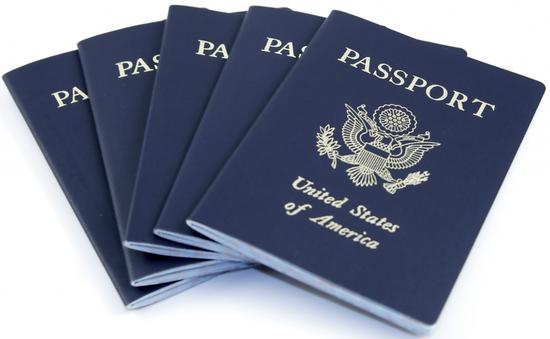 Mỹ ngừng cấp hộ chiếu trừ trường hợp khẩn cấp