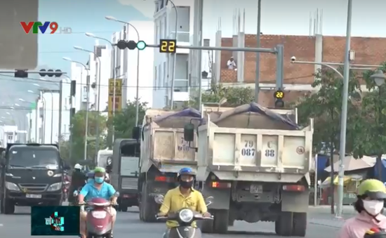 """""""Hung thần"""" xe ben tiếp tục gieo rắc nỗi khiếp sợ tại Nha Trang"""