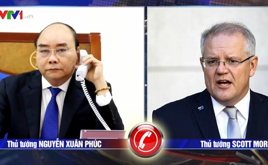 Thủ tướng Nguyễn Xuân Phúc điện đàm với Thủ tướng Australia về phòng, chống dịch COVID-19