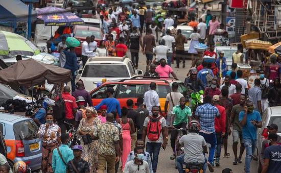 """Phát hiện bệnh nhân COVID-19 """"siêu lây nhiễm"""" tại Ghana"""