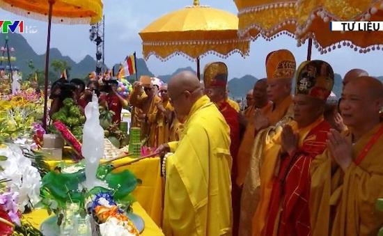 Kỷ niệm ngày Đức Phật đản sinh tại Hà Nam