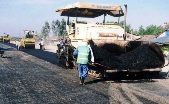 Đề xuất miễn, giảm phí bảo trì đường bộ cho doanh nghiệp vận tải