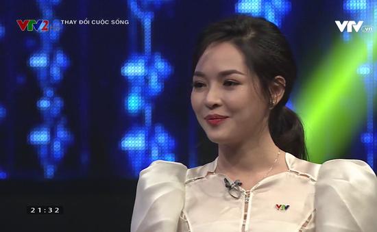 """""""Hot girl"""" phẫu thuật thẩm mỹ Thanh Quỳnh làm MC Change Life"""