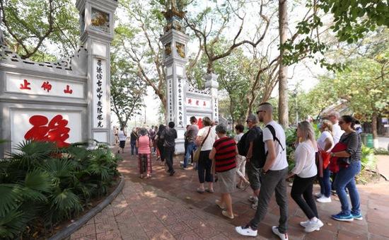 Văn Miếu - Quốc Tử Giám, đền Ngọc Sơn đồng loạt mở cửa trở lại từ 14/5 sau giãn cách xã hội