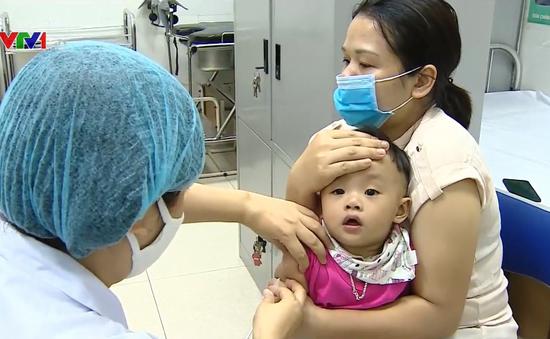 Ngày đầu Hà Nội tổ chức tiêm chủng trở lại: Không nhiều trẻ đến tiêm