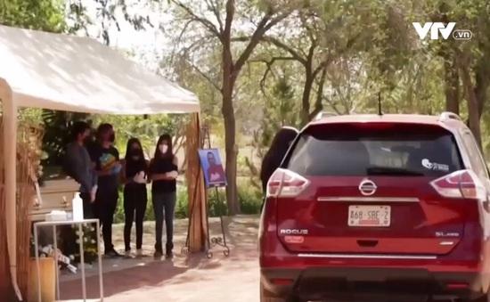 Mexico: Viếng đám tang bằng xe hơi để tránh lây nhiễm COVID-19