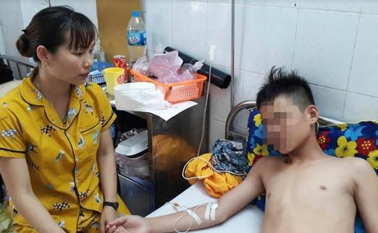Thanh Hoá: Phụ huynh tố thầy giáo dạy thể dục đánh học sinh lớp 7 nhập viện