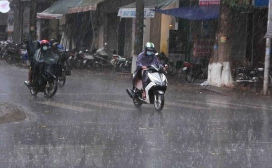 Đêm 31/5, các khu vực trên cả nước có mưa rào và dông; đề phòng lốc, sét và gió giật mạnh