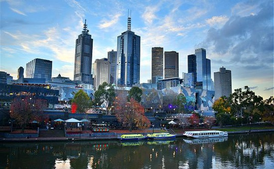 Australia tái khởi động du lịch