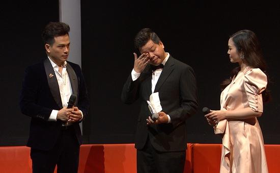NSƯT  Đăng Dương bật khóc trên sóng truyền hình khi nhắc đến cha