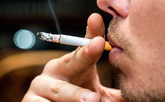 Thuốc lá làm tăng nguy cơ tử vong ở bệnh nhân COVID-19