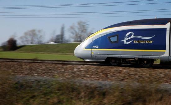 Hành khách đi tàu cao tốc Eurostar buộc phải đeo khẩu trang