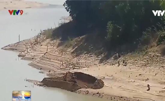 Bất lực trước tình trạng khai thác cát trái phép trong lòng hồ thủy lợi tại Khánh Hòa